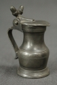 A small 19th Century pewter lidded measure - picture 1