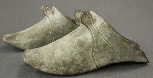 A pair of 'Conquistador' bronze stirrups