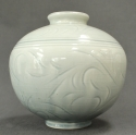 A celadon vase by Alistair Macduff - picture 2
