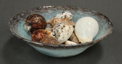 A Monart circular shallow bowl