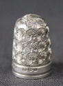 A late Victorian silver thimble  - picture 1